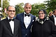 Voetbalgala 2017 in Studio 21 te Hilversum <br /> <br /> Op de foto:  Winnaar van de Gouden Schoen Karim El Ahmadi  met zijn ouders