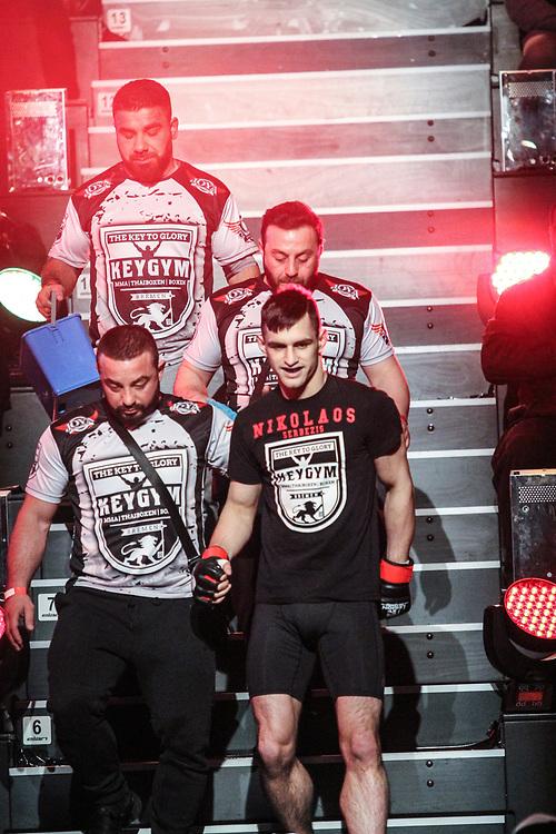 MMA: German MMA Championship, GMC, Hamburg, 07.01.207<br /> Niko Serbezis (Key Gym Bremen) - Bilal Muradov (Gladiator Team Dresden)<br /> © Torsten Helmke