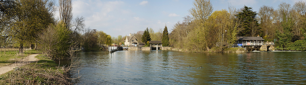 The River Thames at Iffley Lock and Weir near Oxford, Uk
