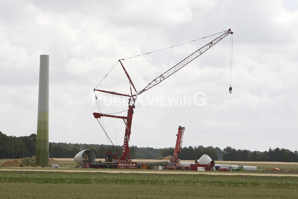 Aufbau eines Windrads im Wendland.<br /> <br /> Ort: XXX<br /> Copyright: XXX<br /> Quelle: PubliXviewinG
