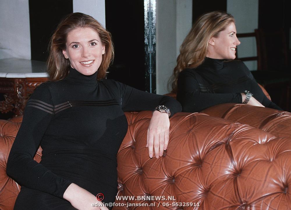 Danielle Overgaag TV babe 2000