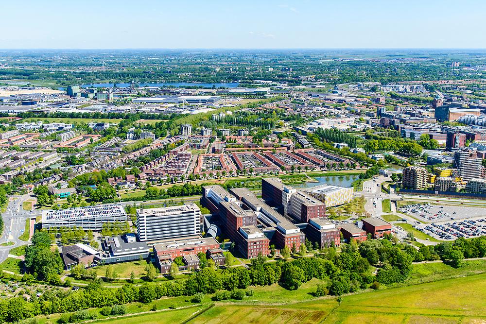 Nederland, Noord-Brabant, Den Bosch, 13-05-2019; Jeroen Bosch ziekenhuis (JBZ),  algemeen ziekenhuis. Rand van de stad met Bossche Broek in d voorgrond.2<br /> Jeroen Bosch hospital (JBZ), general hospital.<br /> luchtfoto (toeslag op standard tarieven);<br /> aerial photo (additional fee required);<br /> copyright foto/photo Siebe Swart