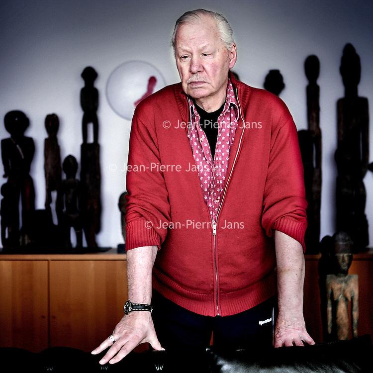 Nederland,Amstelveen ,19 februari 2008..Armando, geboren als Herman Dirk van Dodeweerd (Amsterdam, 18 september 1929), is een Nederlands kunstschilder, beeldhouwer, dichter, schrijver, violist, acteur, journalist, film-, televisie- en theatermaker..Painter and writer Armando (18 september 1929)