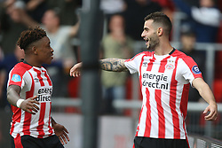 (L-R) Steven Bergwijn of PSV, Gaston Pereiro of PSV during the Dutch Eredivisie match between PSV Eindhoven and AZ Alkmaar at the Phillips stadium on August 12, 2017 in Eindhoven, The Netherlands