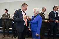 08 OCT 2013, BERLIN/GERMANY:<br /> Johannes Singhammer (L), MdB, CSU, nominiert fuer das Amt der Vizepraesidenten der Deutschen Bundestages, und Gerda Hasselfeldt, MdB, CSU, Stellv. CDU/CSU Fraktionsvoirsitzende, im Gespraech, vor Beginn der CDU/CSU Fraktionssitzung, Deutscher Bundestag<br /> IMAGE: 20131008-01-010<br /> KEYWORDS: Sitzung, Fraktion, Gespräch