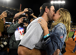 November 1, 2017 - Los Angeles, California, U.S. - Houston Astros starting pitcher Justin Verlander kisses his girlfriend Kate Upton as they celebrate defeating the Los Angeles Dodgers 5-1 in game seven of a World Series baseball game at Dodger Stadium on Nov. 1, 2017 in Los Angeles. (Photo by Keith Birmingham, Pasadena Star-News/SCNG) (Credit Image: © San Gabriel Valley Tribune via ZUMA Wire)