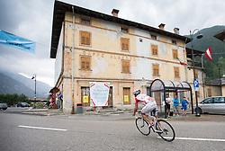 15.06.2015, Pontebba, AUT, Dolomitenradrundfahrt, SuperGiroDolomiti 2015, im Bild Ortsdurchfahrt in Pontebba. EXPA Pictures © 2015, PhotoCredit: EXPA/ Johann Groder