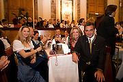 """Wien/Oesterreich, AUT, 28.01.2008: Besucher des jaehrlichen Jaegerballs in der Wiener Hofburg.<br /> <br /> Vienna/Austria, AUT, 28.01.2008: Visitors during the Hunters Ball (Jaegerball) at the """"Hofburg"""" in Vienna."""