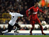 Fotball<br /> Foto: BPI/Digitalsport<br /> NORWAY ONLY<br /> <br /> 01/12/2004 Tottenham v Liverpool, Carling Cup Quarter Final, White Hart Lane<br /> <br /> Rohan Ricketts tries to catch Darren Potter