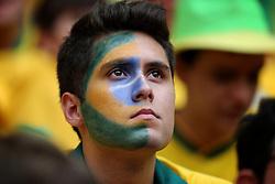 O torcedor brasileiro na arquibancada durante a cerimônia de abertura da Copa das Confederações, realizada no Estádio Nacional Mané Garrincha, em Brasília, antes da partida entre Brasil e Japão. FOTO: Jefferson Bernardes/Preview.com