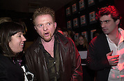Mick Hucknall. Glamour magazine launch party. Red Cube. 6 March 2001. © Copyright Photograph by Dafydd Jones 66 Stockwell Park Rd. London SW9 0DA Tel 020 7733 0108 www.dafjones.com