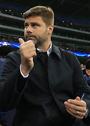13 September 2017 -  UEFA Champions League (Group H) - Tottenham Hotspur v Borussia Dortmund - Tottenham Hotspur Manager Mauricio Pochettino gives a thumbs up - Photo: Marc Atkins/Offside