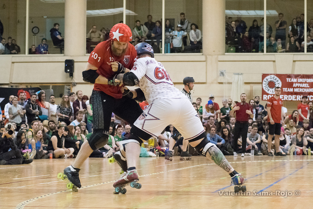Barcelona, Spain. 08th April, 2018. A player of Team USA trying to block the jammer of Team England, #101 Waterman, during the final of MRDWC2018. © Valentin Sama-Rojo.