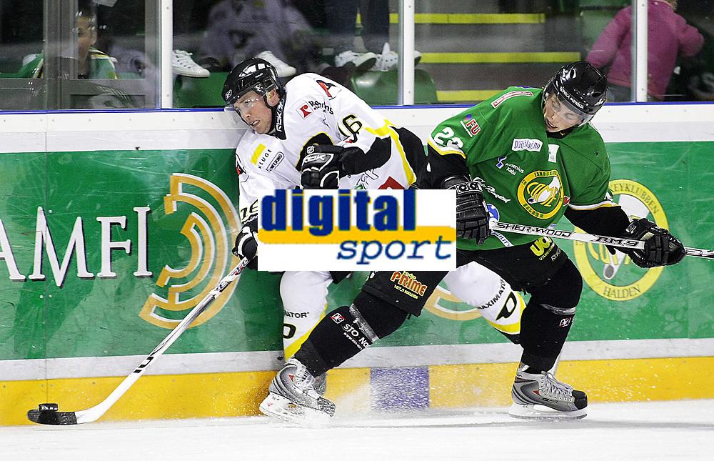 Ishockey , <br /> GET ligaen , <br /> 18.09.08 , <br /> Halden ishall , <br /> Comet - Stavanger , <br /> Brendan Brooks og Jesper Hoel , <br /> Foto: Thomas Andersen / Digitalsport