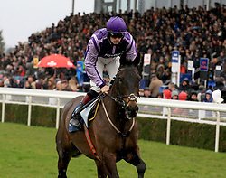 Arthurs Gift ridden by Sam Twiston-Davies during the Marstons 61 Deep Midlands Grand National race at Uttoxeter Racecourse.