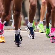 20-10-2019: Atletiek: TCS Amsterdam Marathon: Amsterdam  Beethovenstraat , km 9, leading group women