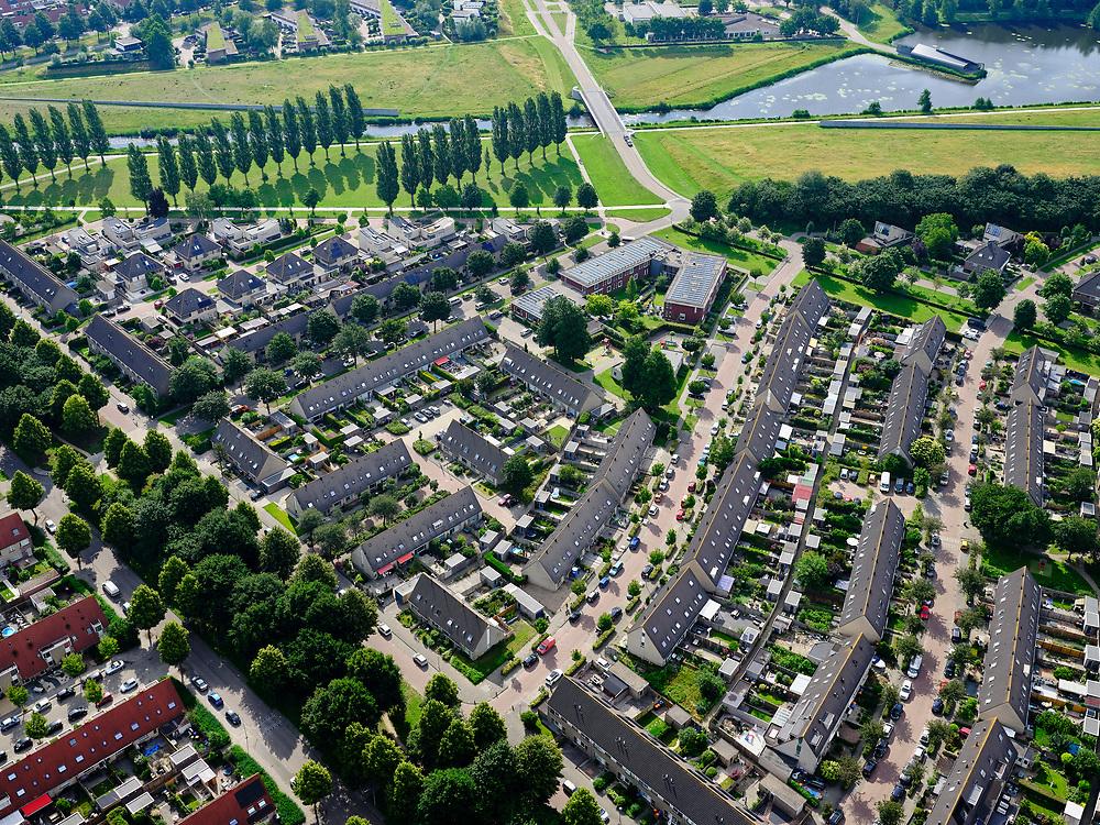 Nederland, Flevoland, Zeewolde, 21–06-2020; nieuwbouwwijk Zeewolde Zuid, Gildenveld.<br /> <br /> luchtfoto (toeslag op standaard tarieven);<br /> aerial photo (additional fee required)<br /> copyright © 2020 foto/photo Siebe Swart