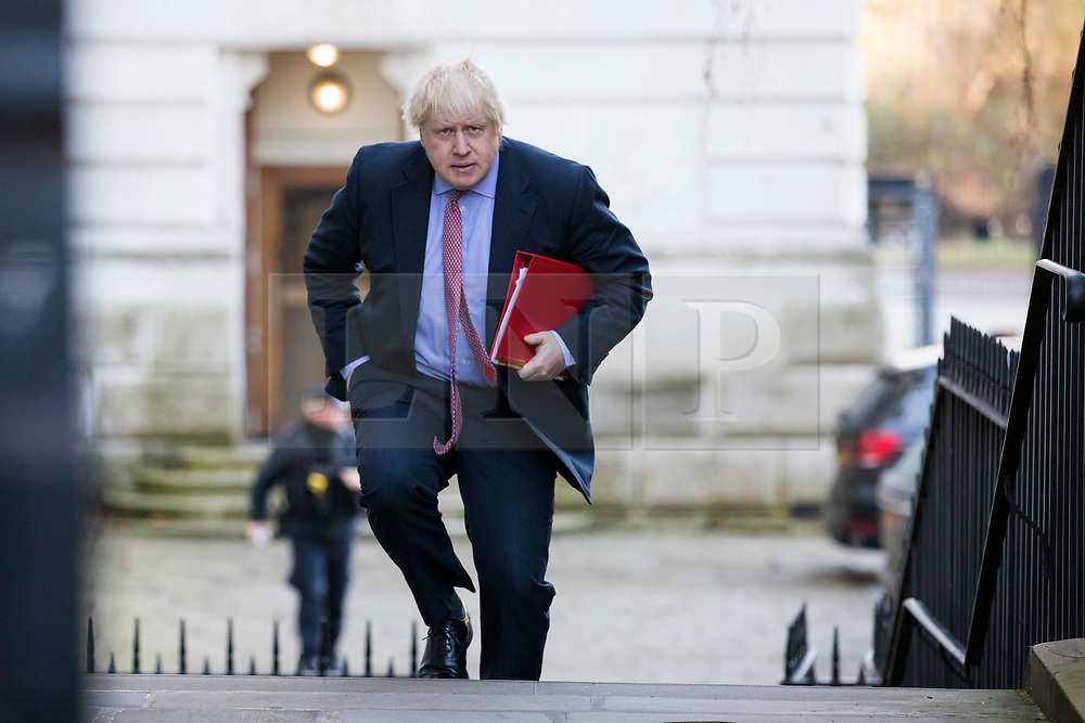 © Licensed to London News Pictures. 18/12/2017. London, UK. Foreign Secretary Boris Johnson arrives on Downing Street for a special Cabinet meeting in which ministers are expected to discuss the Brexit end deal. Photo credit: Rob Pinney/LNP