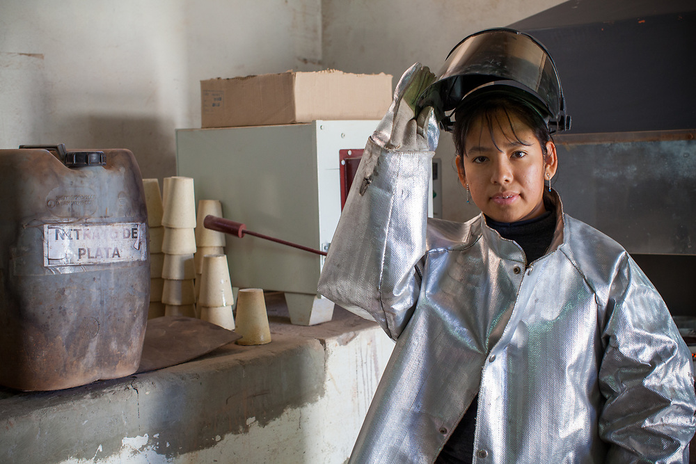 Miriam Huillcahuaman Poma, industrial chemist at the SOTRAMI gold and silver mine. SOTRAMI is Fairtrade-certified.