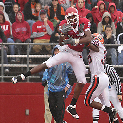 Nov 8, 2008; Piscataway, NJ, USA; Rutgers wide receiver Kenny Britt (88) makes a one handed touchdown catch over Syracuse cornerback   Michael Holmes (35) during the first quarter of Rutgers 35-17 victory at Rutgers Stadium.