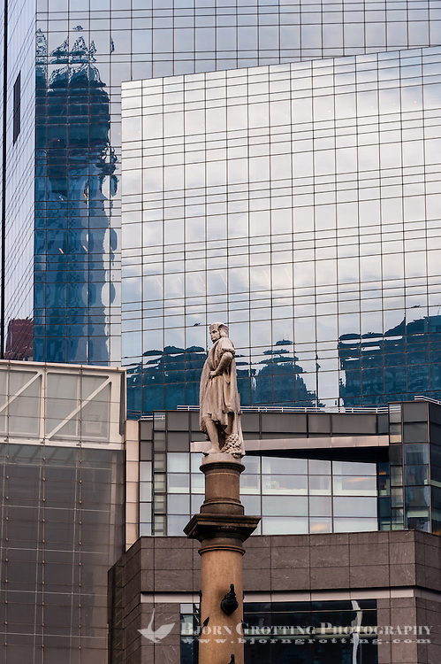 US, New York City. Columbus Circle. Statue of Christopher Columbus.