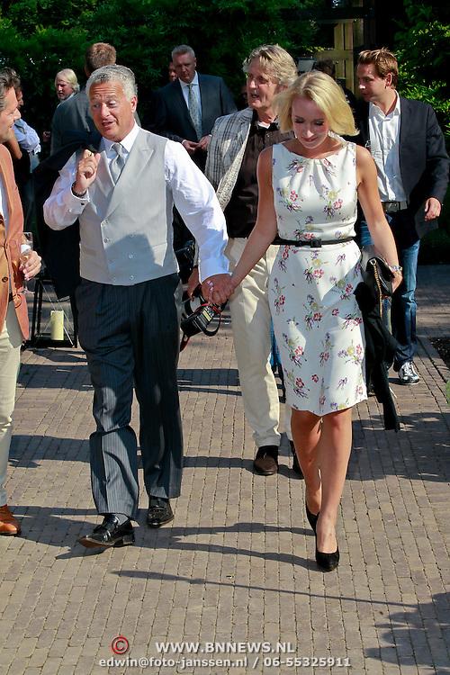 NLD/Ermelo/20070709 - Huwelijk Winston Gerstanowitz en Renate Verbaan, Bram Moszkowicz en partner Eva Jinek
