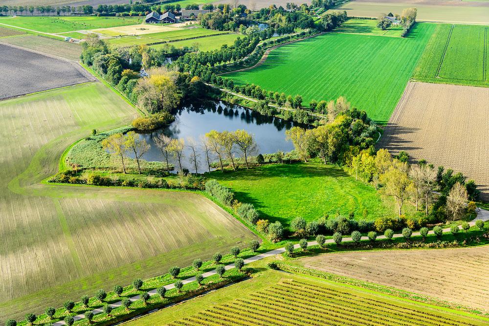 Nederland, Zeeland, Gemeente Borsele, 19-10-2014;  Zak van Zuid-Beveland, omgeving Nisse.  Kleinschalig landschap van binnendijken en kleine polders, 'oudland'. Restanten van een vroegere dijkdoorbraak.<br /> Old Polders and dikes, remnants of an old dike breach, Zealand, Southwest Netherlands.<br /> luchtfoto (toeslag op standard tarieven);<br /> aerial photo (additional fee required);<br /> copyright foto/photo Siebe Swart