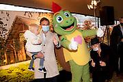 RHENEN, 30-11-2020 , Onky Donky huis<br /> <br /> Stichting Onky Donky presenteerd nieuwe mascotte en ambassadeur bij het Onky Donky huisgevestigd in Ouwehands Dierenpark.<br /> <br /> Op de foto: