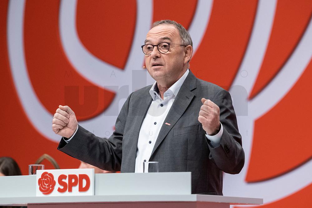 06 DEC 2019, BERLIN/GERMANY:<br /> Norbert Walter-Borjans, SPD, Minister a.D., Kandidat fur das Amt des Parteivorsitzenden, waehrend seiner Bewerbungsrede, SPD Bundesprateitag, CityCube<br /> IMAGE: 20191206-01-029<br /> KEYYWORDS: Party Congress, Parteitag