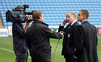 Photo: Ed Godden.<br />Coventry City v Leeds United. Coca Cola Championship. 16/09/2006. Leeds Manager Kevin Blackwell is interviewed after his teams 1-0 defeat.