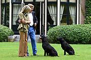 Koninklijke fotosessie 2016 op landgoed De Horsten ( het huis van de koninklijke familie)  in Wassenaar.<br /> <br /> Royal photoshoot 2016 at De Horsten estate (the home of the royal family) in Wassenaar.<br /> <br /> Op de foto / On the photo: Koning Willem-Alexander en Koningin maxima / King Willem-Alexander and Queen Maxima
