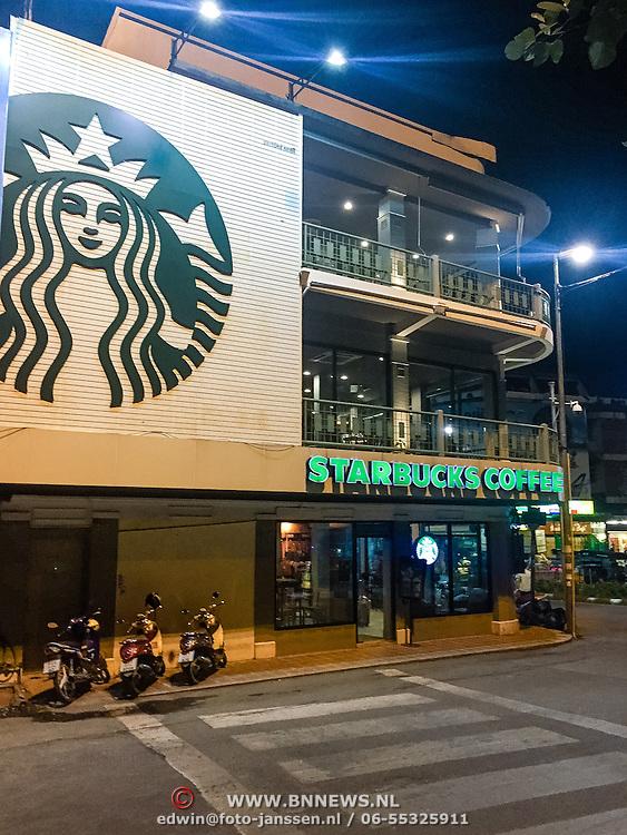 THA/Chiang Mai/20160729 - Thailand 2016 Chiang Mai, Starbucks vestiging