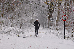 (c) London News Pictures 29/11/2010.A jogger braves snowy conditions in Harrogate, North Yorkshire.Sam Atkins/London News Pictures