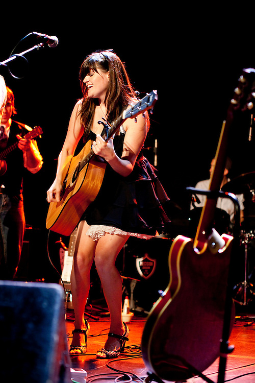 NEW YORK, NY - AUGUST 29: American singer and songwriter April Smith performs at the Bowery Ballroom with her band the Great Picture Show on August 29, 2009 in New York, New York.  (PHOTO CREDIT: Eric M. Townsend)