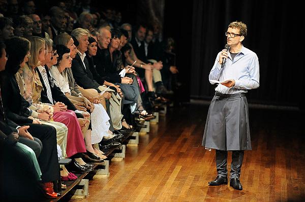 Nederland, Arnhem, 5-6-2009Piet Paris opent de modebienale van Arnhem in het bijzijn van princes Maxima. In november krijgt hij de prix de la mode.Foto: Flip Franssen/Hollandse Hoogte