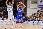 DESCRIZIONE : Beko Legabasket Serie A 2015- 2016 Dinamo Banco di Sardegna Sassari - Enel Brindisi<br /> GIOCATORE : Scottie Reynolds<br /> CATEGORIA : Palleggio<br /> SQUADRA : Enel Brindisi<br /> EVENTO : Beko Legabasket Serie A 2015-2016<br /> GARA : Dinamo Banco di Sardegna Sassari - Enel Brindisi<br /> DATA : 18/10/2015<br /> SPORT : Pallacanestro <br /> AUTORE : Agenzia Ciamillo-Castoria/C.Atzori