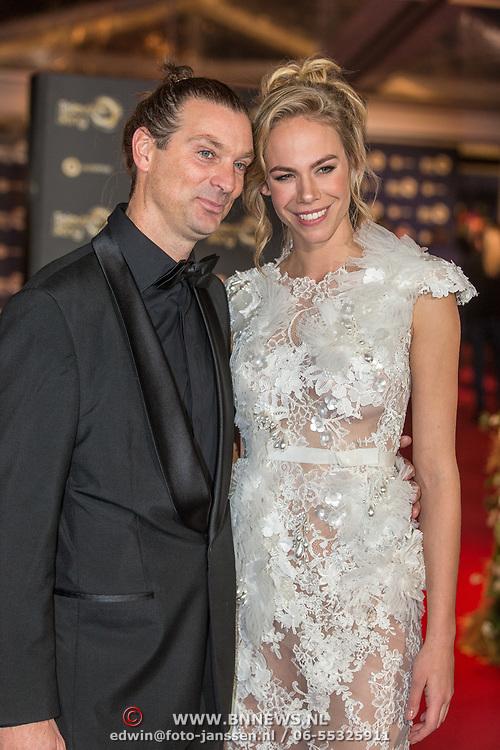 NLD/Amsterdam/20171012 - Televizier-Ring Gala 2017, Nicolette Kluijver en partner Joost Staudt