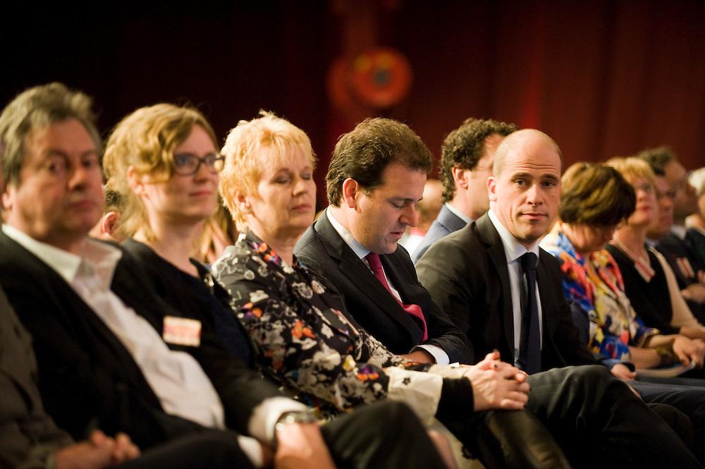 Nederland, Leeuwarden, 27 april 2013.PvdA congres in WTC Leeuwarden..Diederik Samsom op de eerste rij in de zaal.Foto(c): Michiel Wijnbergh