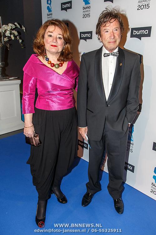 NLD/Hilversum/20150217 - Inloop Buma Awards 2015, Laurens van Rooyen en partner Ina Brouwer