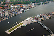 Nederland, Amsterdam, Oostelijk Havengebied,  25-05-2010. Kop Java-eiland met Jan Schaeferbrug. Amsterdam-Noord met Meeuwenlaan en W. H. Vliegenbos. .Former Eastern Docklands..luchtfoto (toeslag), aerial photo (additional fee required).foto/photo Siebe Swart