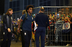 June 25, 2018 - Moscou, Rússia - MOSCOU, MO - 25.06.2018: ARRIVAL OF THE SELECTION IN MOSCOW - Willian of the Brazilian Soccer Team arrives with a crowd at the door of the Renaissance hotel in Moscow on Monday (25) (Credit Image: © Rodolfo Buhrer/Fotoarena via ZUMA Press)