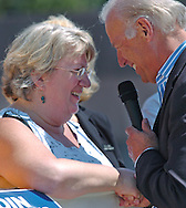 8/16/06 Des Moines. IA Sen. Joseph Biden speaks with Sarah Swisher, a nurse who was at an anti Wal Mart event in Des Moines Wednesday afternoon.(Chris Machian/Prairie Pixel Group)
