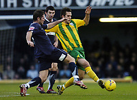 Photo: Olly Greenwood.<br />Southend United v West Bromwich Albion. Coca Cola Championship. 01/01/2007. West Bromwich's Darren Carter and Southend's Alan McCormack