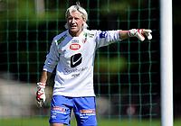 Fotball<br /> 27. Juni 2009<br /> Toppserien<br /> Arna Stadion<br /> ArnaBjørnar - Fløya 1 - 0<br /> Keepertrener Reidun Seth , ArnaBjørnar må steppe inn for de skadde keeperene i klubben <br /> Foto : Astrid M. Nordhaug