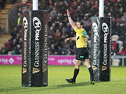 Referee Andrew Brace awards a penalty try<br /> <br /> Photographer Simon King/Replay Images<br /> <br /> Guinness Pro14 Round 11 - Dragons v Cardiff Blues - Tuesday 26th December 2017 - Rodney Parade - Newport<br /> <br /> World Copyright © 2017 Replay Images. All rights reserved. info@replayimages.co.uk - www.replayimages.co.uk