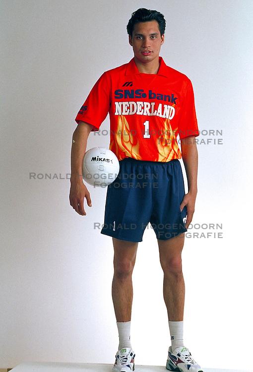 21-05-1997 VOLLEYBAL: TEAMPRESENTATIE MANNEN: WOERDEN<br /> Misha Latuhihin<br /> ©2007-WWW.FOTOHOOGENDOORN.NL
