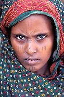 Erythree, province de Dankalie, femme Afar et son enfant // Eritrea, Dankalie province, Afar ethnic group woman