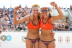 20160724 NED: NK Beachvolleybal 2016, Scheveningen <br />Nika Daalderop, Joy Stubbe<br />©2016-FotoHoogendoorn.nl / Pim Waslander