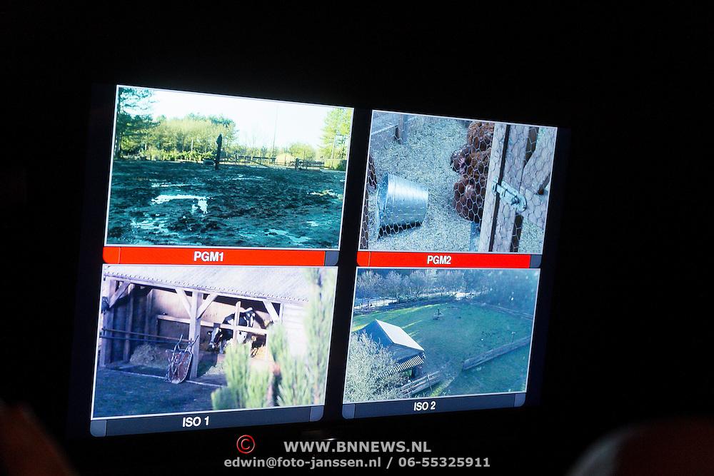 NLD/Bussum/20131219 - Perspresentatie nieuwe real life soap Utopia, camera beelden