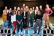 Feestelijke eerste repetitiedag van Soof de musical.<br /> <br /> Op de foto:  Castleden: Maike Boerdam (Soof), Noel van Santen (Kasper), Winston Post (Winston), Julia Nauta (Sascha), Juul Vrijdag (Hansje), Mehrnoush Rahmani(Karima), Milan van Weelden (Andrej), Tirza de Boer (Eefje), Suzanne Heijdra(ensemble), Folkert van Diggelen (ensemble) en Leontien van Moorsel (Leontien) met sporters Dominique Bloodworth, Manon Flier, Anouk Hoogendijk, Nicolien Sauerbreij, Annette Gerritsen
